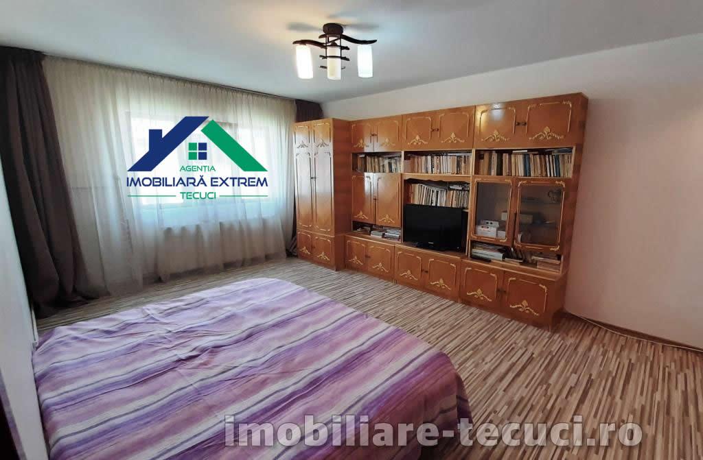 Apartament spaţios cu 2 camere, în Zona Industrială din Tecuci